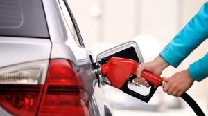 cách chạy ô tô tiết kiệm xăng