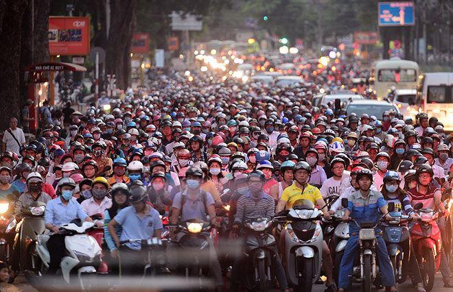 Hà Nội xây dựng lộ trình cấm xe máy