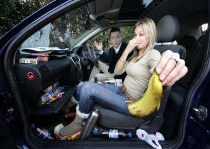 mẹo khử mùi ô tô