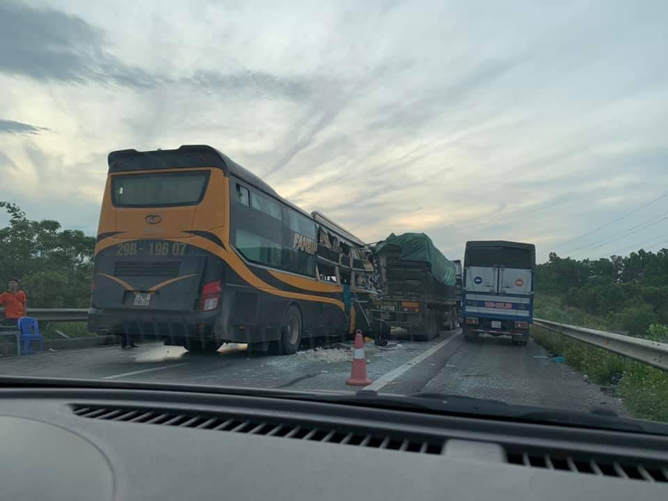 tai nạn trên cao tốc Nội Bài- Lào Cai